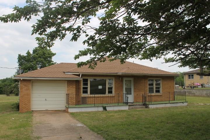 702 E Lindsey, Elmore City, OK 73433