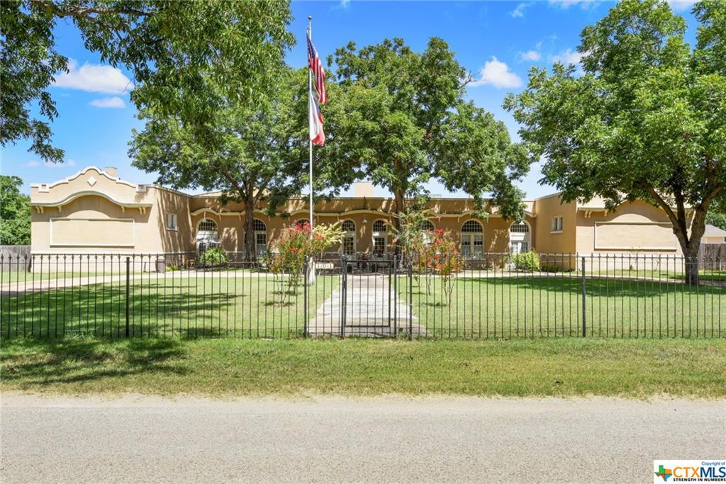 101 Lockhart, Martindale, TX 78655
