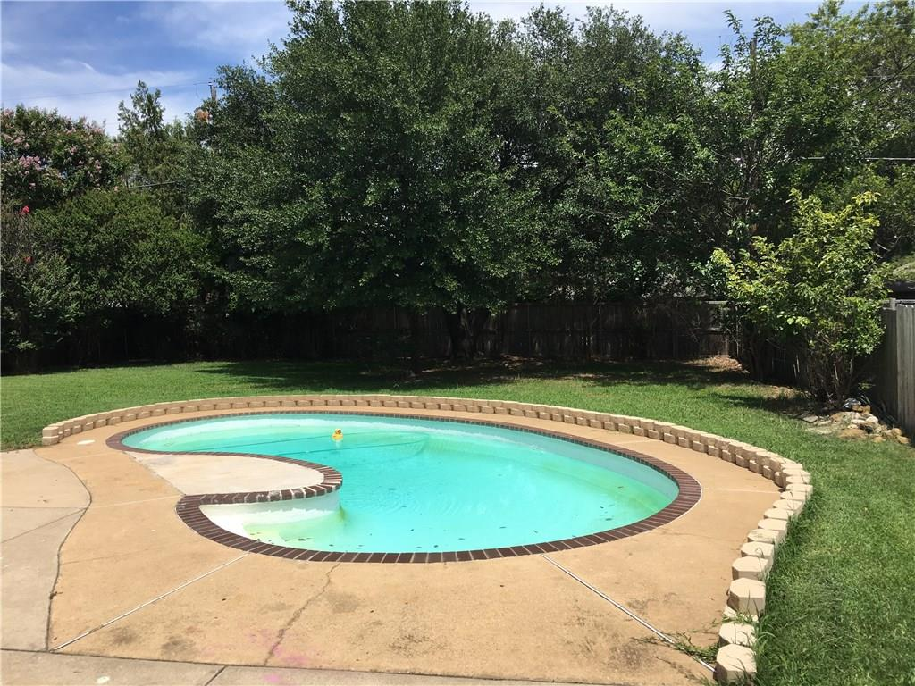 1807 Oak Hill Drive, Corinth, TX 76210