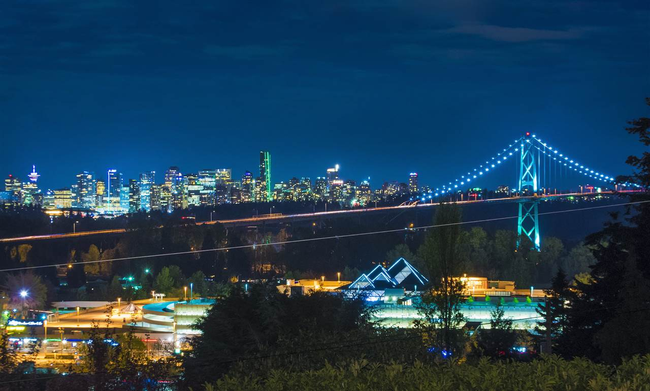 808 ESQUIMALT AVENUE, West Vancouver, BC V7T 1J8