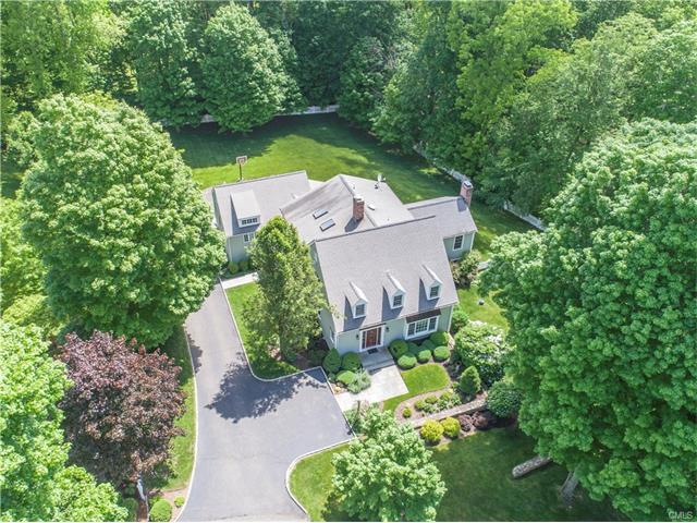 Single Family Home for Sale at 22 Oak Knoll Road Ridgefield, Connecticut,06877 United States