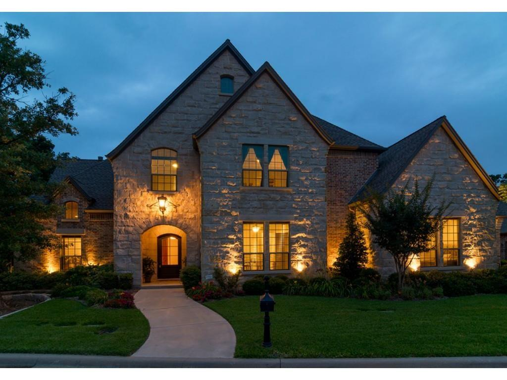 2607 Featherstone Court, Arlington, TX 76001