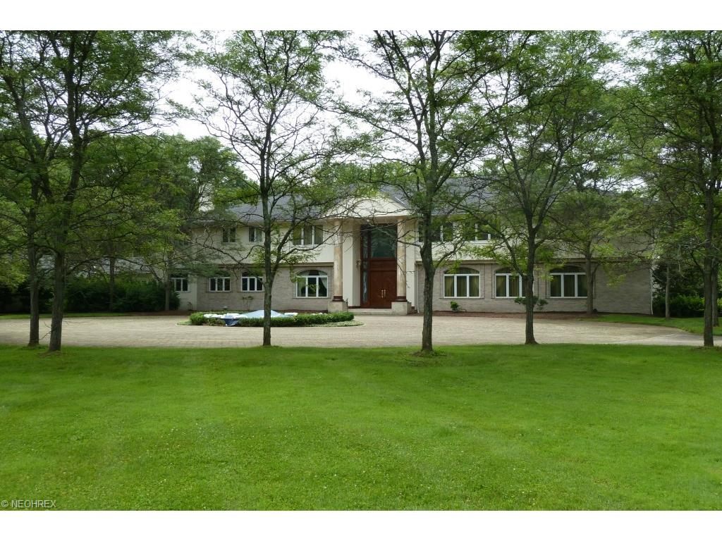 34800 Cedar Rd, Hunting Valley, OH 44022