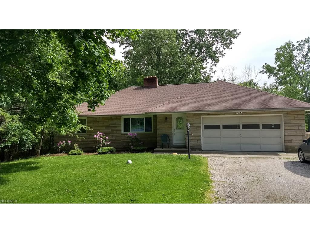 6828 Bonnieview Ln, Mayfield Village, OH 44143