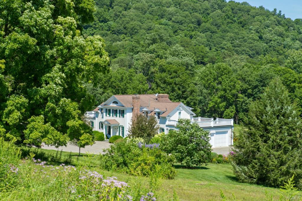 70 Bryan Farm Lane, Pine Plains, NY 12567
