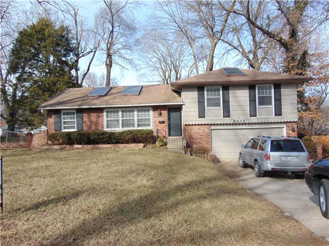 5612 W 79TH Street, Prairie Village, KS 66208