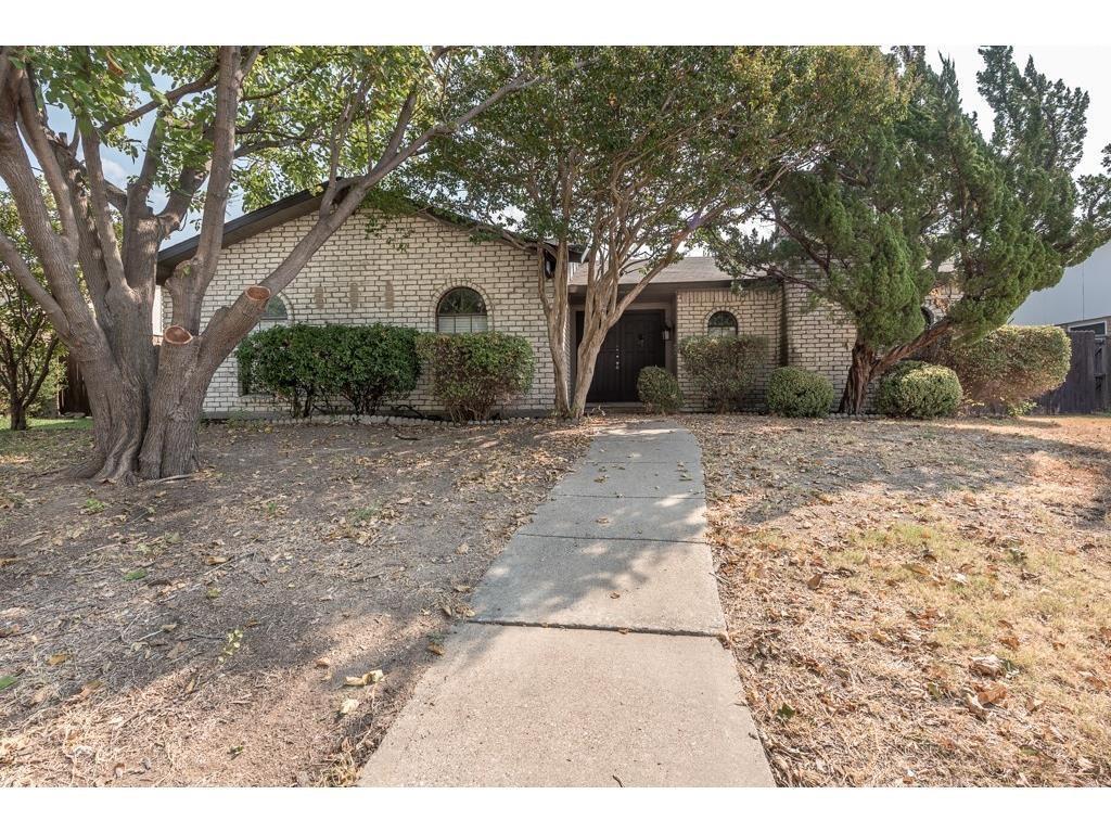 2124 Courtland Circle, Carrollton, TX 75007