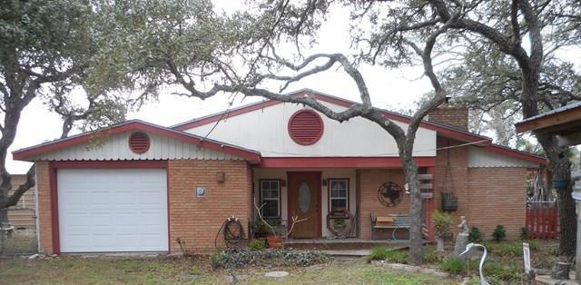 506 N Hood St, Rockport, TX 78382