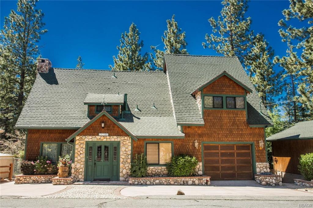 136 Lake Drive, Big Bear Lake, CA 92315
