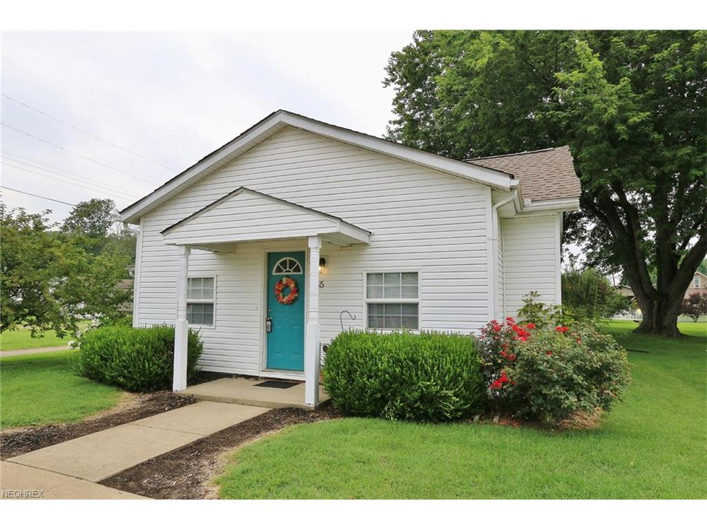 35 W 11th St, Dresden, OH 43821