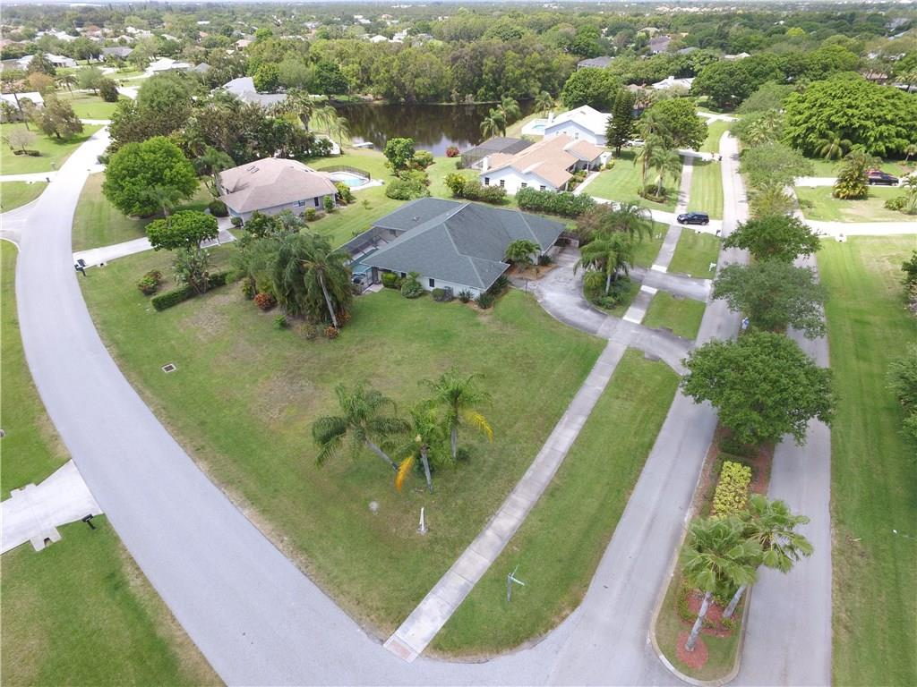 2470 NE Pinecrest Lakes Blvd, Jensen Beach, FL 34957