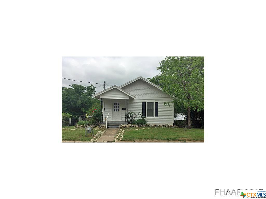 305 N 10th Street, Gatesville, TX 76528