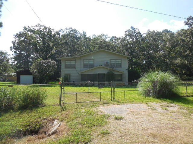 280 CR 489, Broaddus, TX 75929