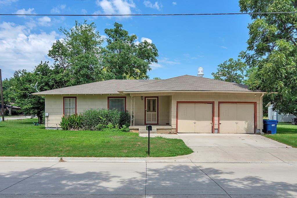 107 S Walnut Street, Roanoke, TX 76262