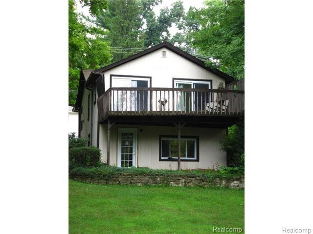 1010 FOREST LAKE Boulevard, Orion Twp, MI 48362