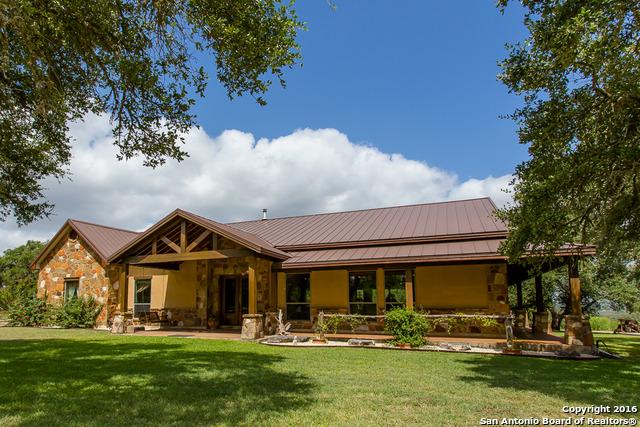 189 Private Road 2532, Mico, TX 78056