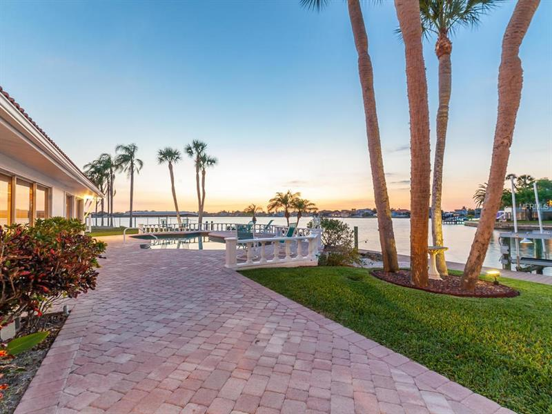 1733 LITTLE POINTE CIRCLE, SARASOTA, FL 34231