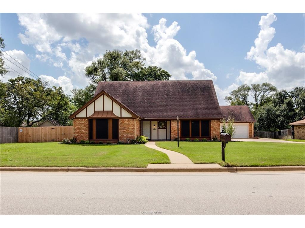 4026 Green Valley Drive, Bryan, TX 77802