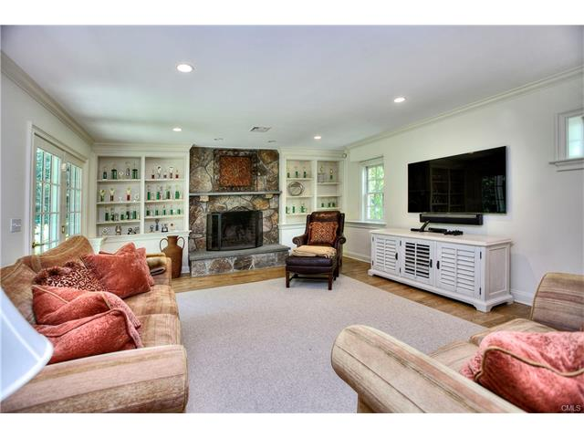 Additional photo for property listing at 22 Oak Knoll Road  Ridgefield, Connecticut,06877 United States