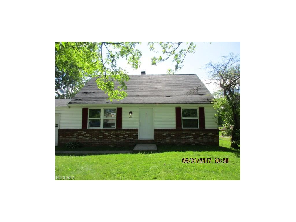 251 North Rd, Niles, OH 44446