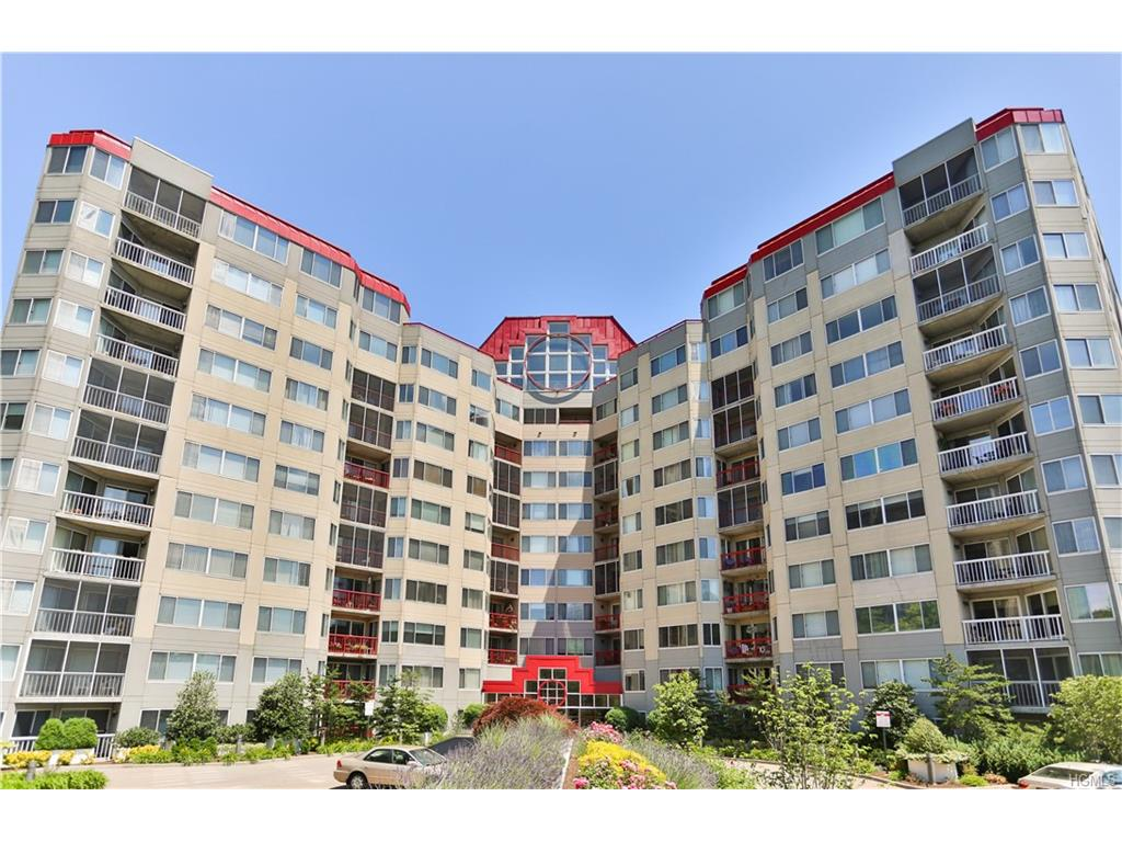 10 Stewart Place 9aw, White Plains, NY 10603