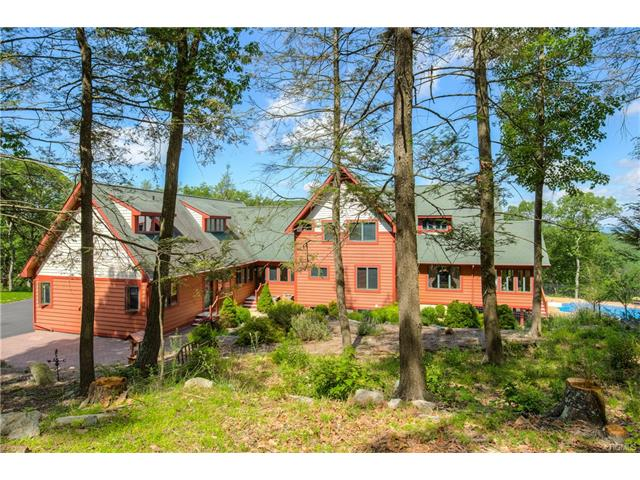 38 Long Hill Road, Hopewell Junction, NY 12533