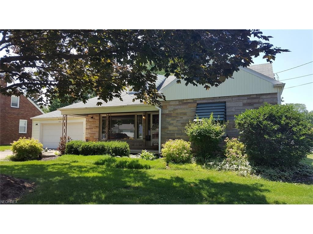 236 S Beverly Ave, Austintown, OH 44515