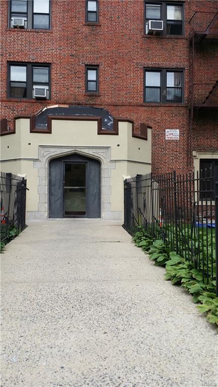 590 E 3rd Street 2M, Mount Vernon, NY 10553