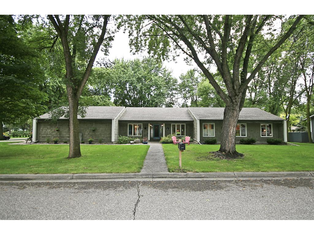 315 Interwood Drive, Glencoe, MN 55336