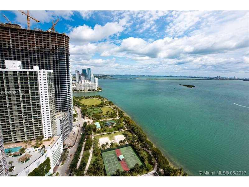 1717 N Bayshore Dr C-4040, Miami, FL 33132
