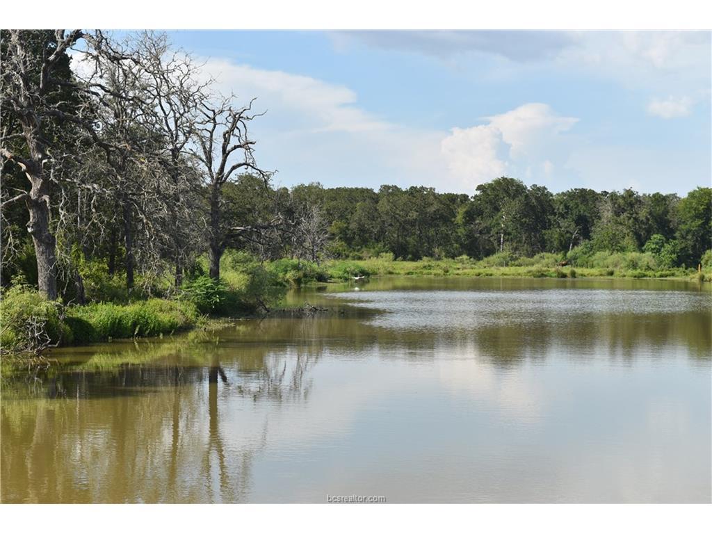 11964 Oak Lake Road, Bryan, TX 77808