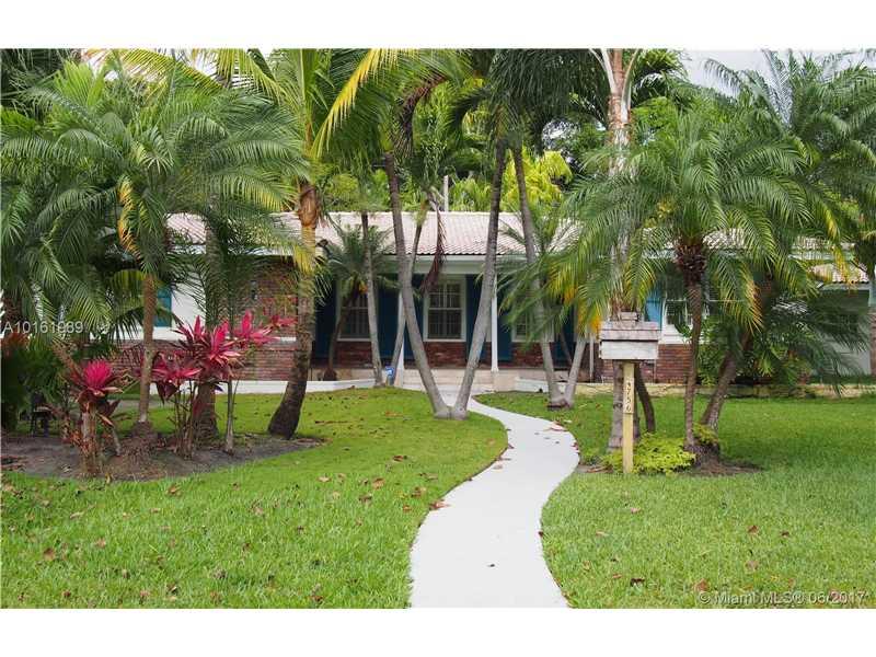4756 Bay Point Rd, Miami, FL 33137