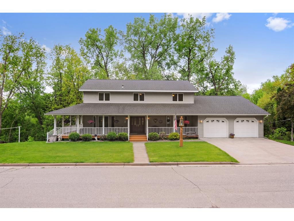305 Sunset Lane, Ellsworth, WI 54011