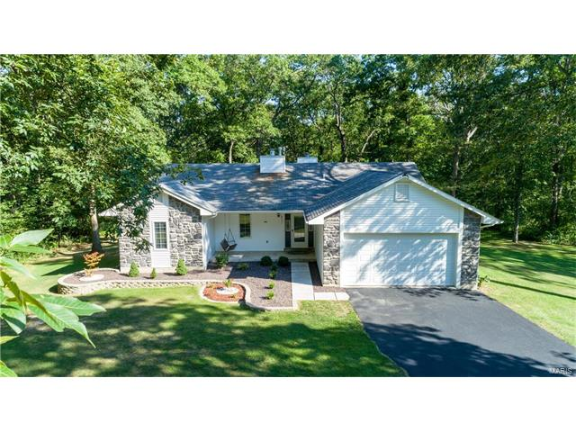 1832 Westmoor Drive, Foristell, MO 63348