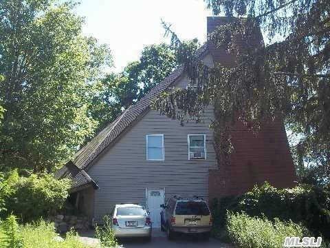 46 Linden Ln, Farmingville, NY 11738