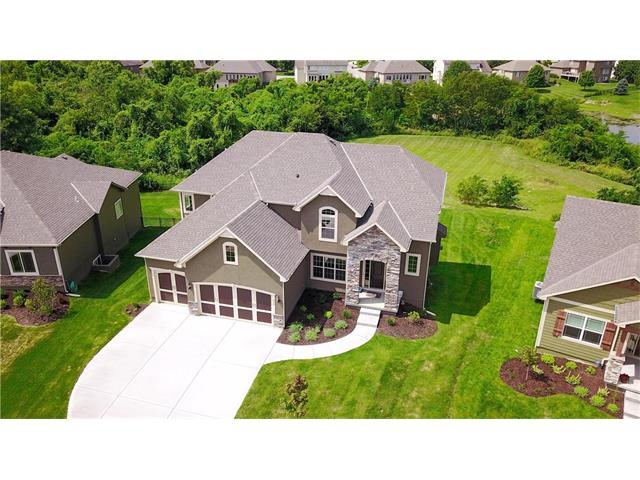 316 SE Mill Creek Drive, Lee's Summit, MO 64063