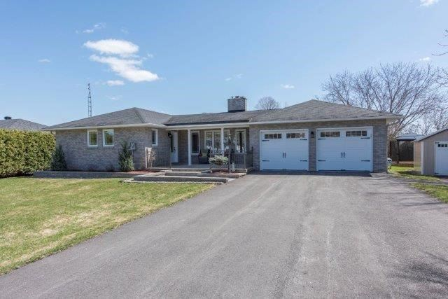 102 Macleod Cres, Out of Area, ON K0C 1A0