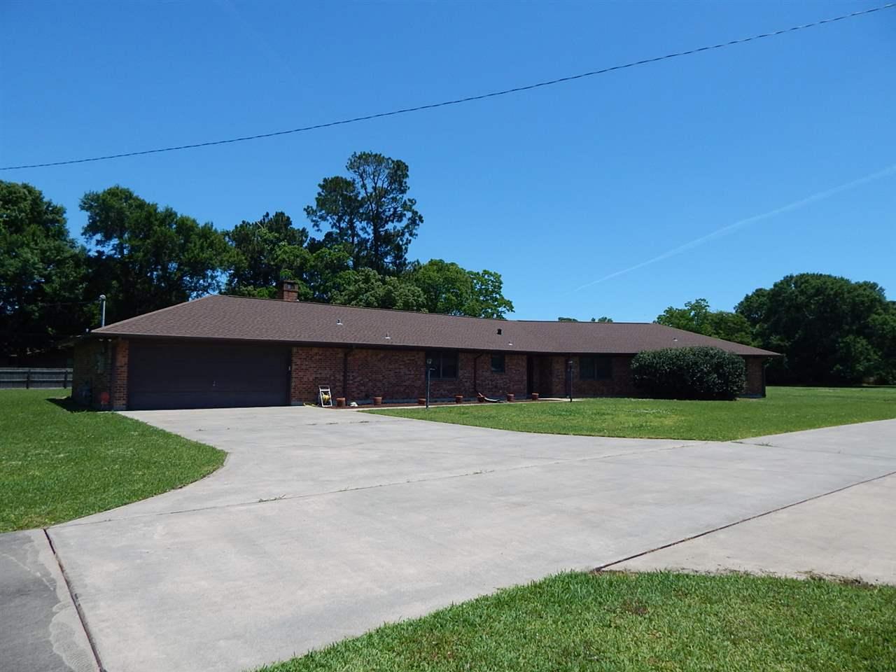 3600 Franklin, Groves, TX 77619