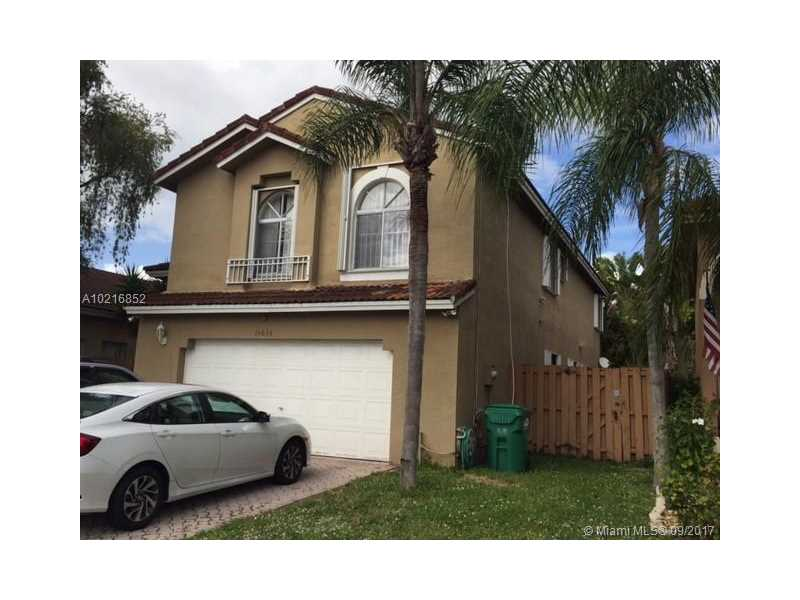 15635 SW 100th Ter, Miami, FL 33196