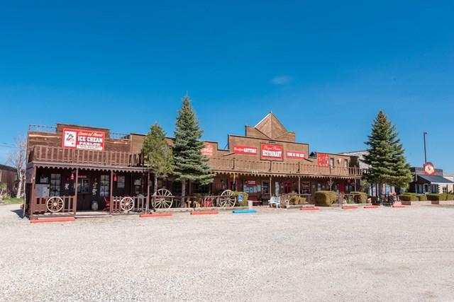 103 Yellowstone Ave, Cody, WY 82414