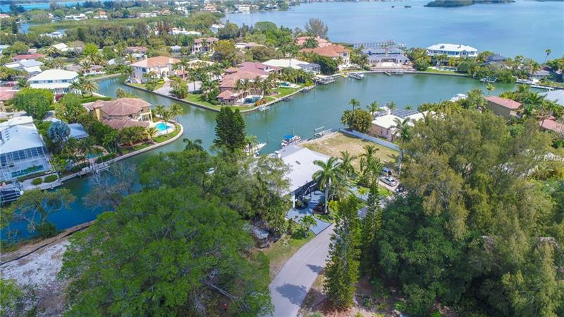 767 TROPICAL CIRCLE, SIESTA KEY, FL 34242