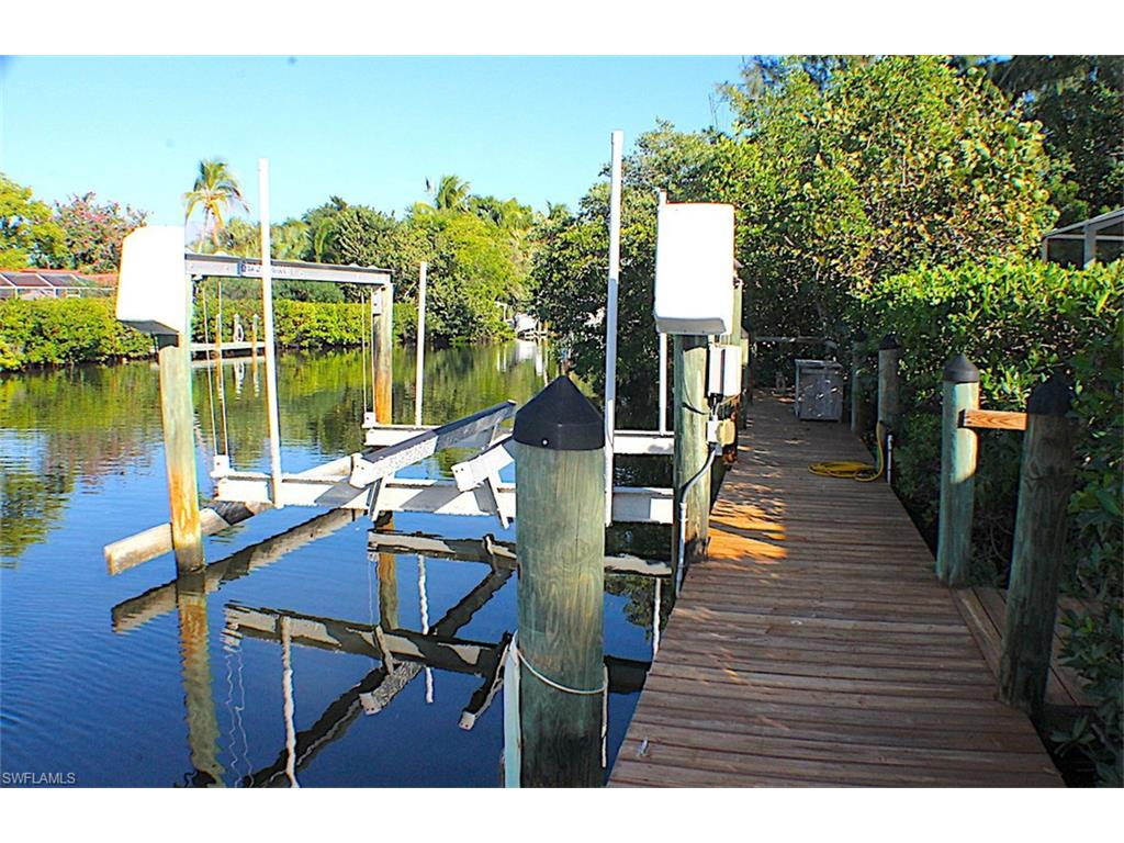 5313 Punta Caloosa CT, SANIBEL, FL 33957