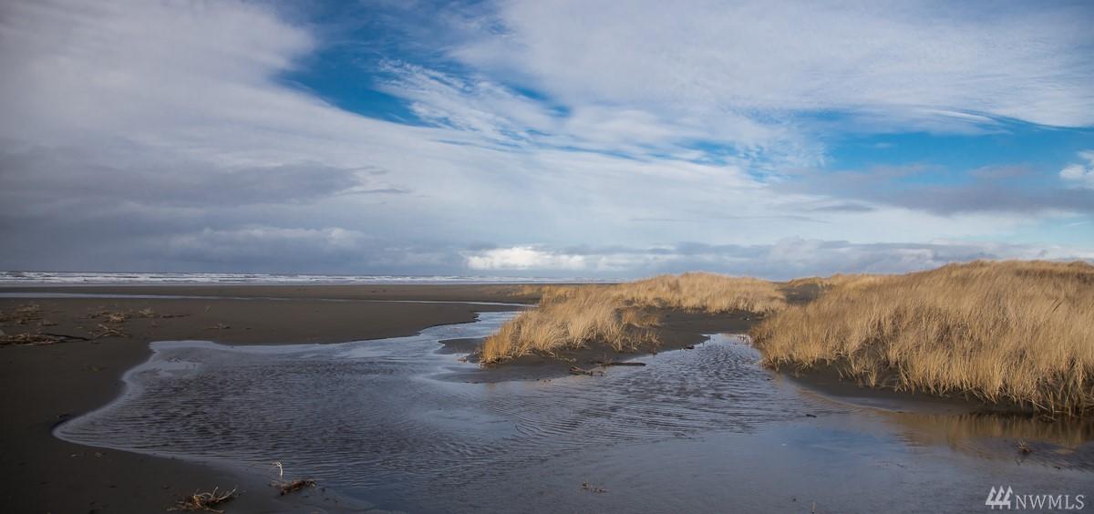74 Dunes Lane, Ocean Shores, WA 98569