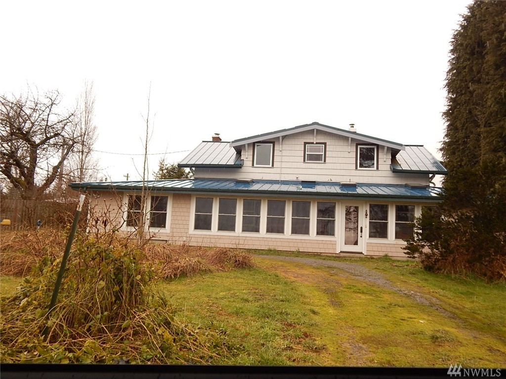 210 Laird Rd, Port Angeles, WA 98363