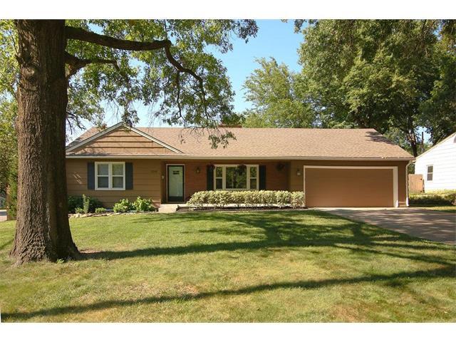 5501 W 70th Terrace, Prairie Village, KS 66208