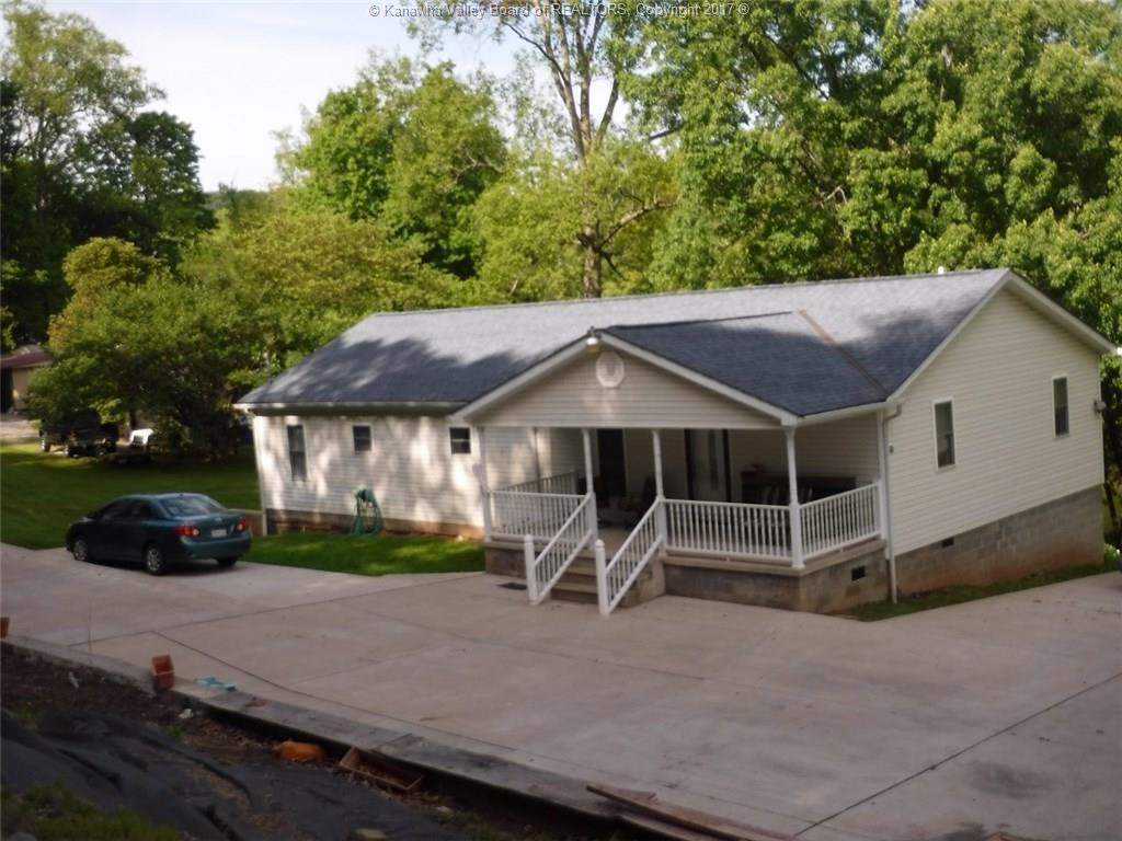 2633 Poca River Road, Poca, WV 25159