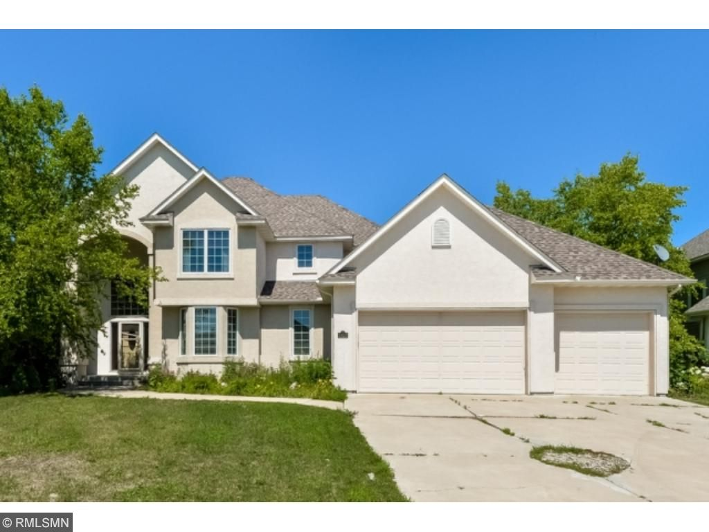 6450 Pipewood Curve, Chanhassen, MN 55331