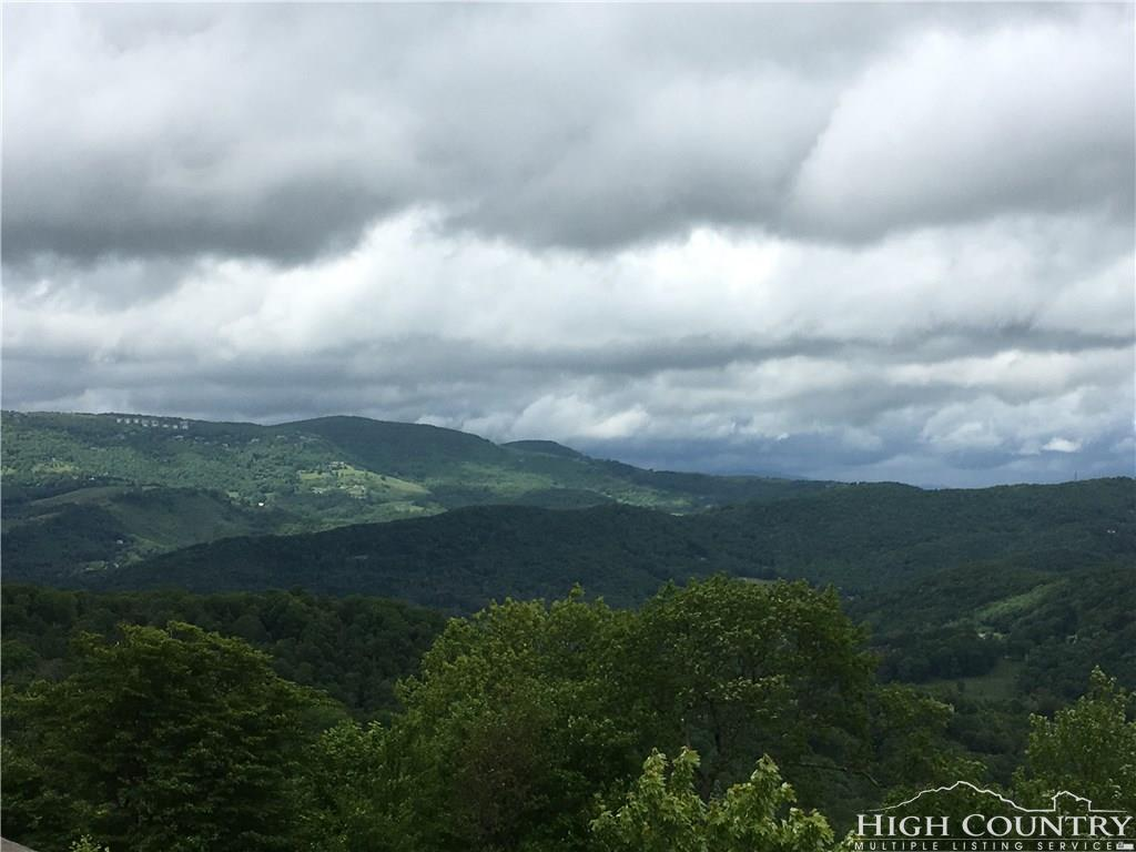 314 Ridgeline Drive 17D, Sugar Mountain, NC 28604
