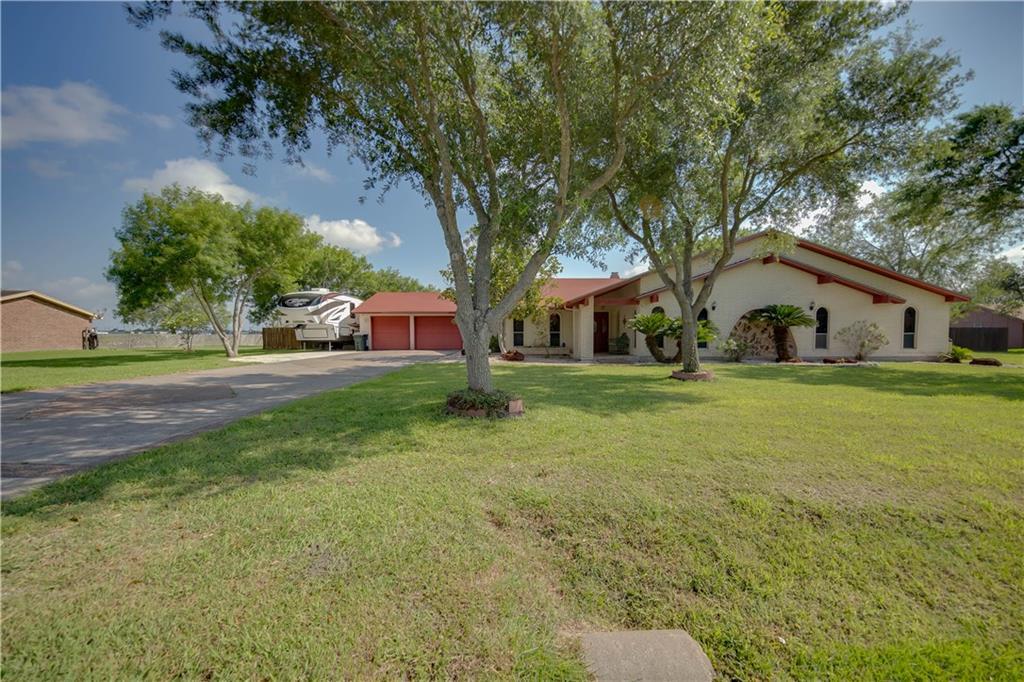 5084 Siesta Loop, Robstown, TX 78380