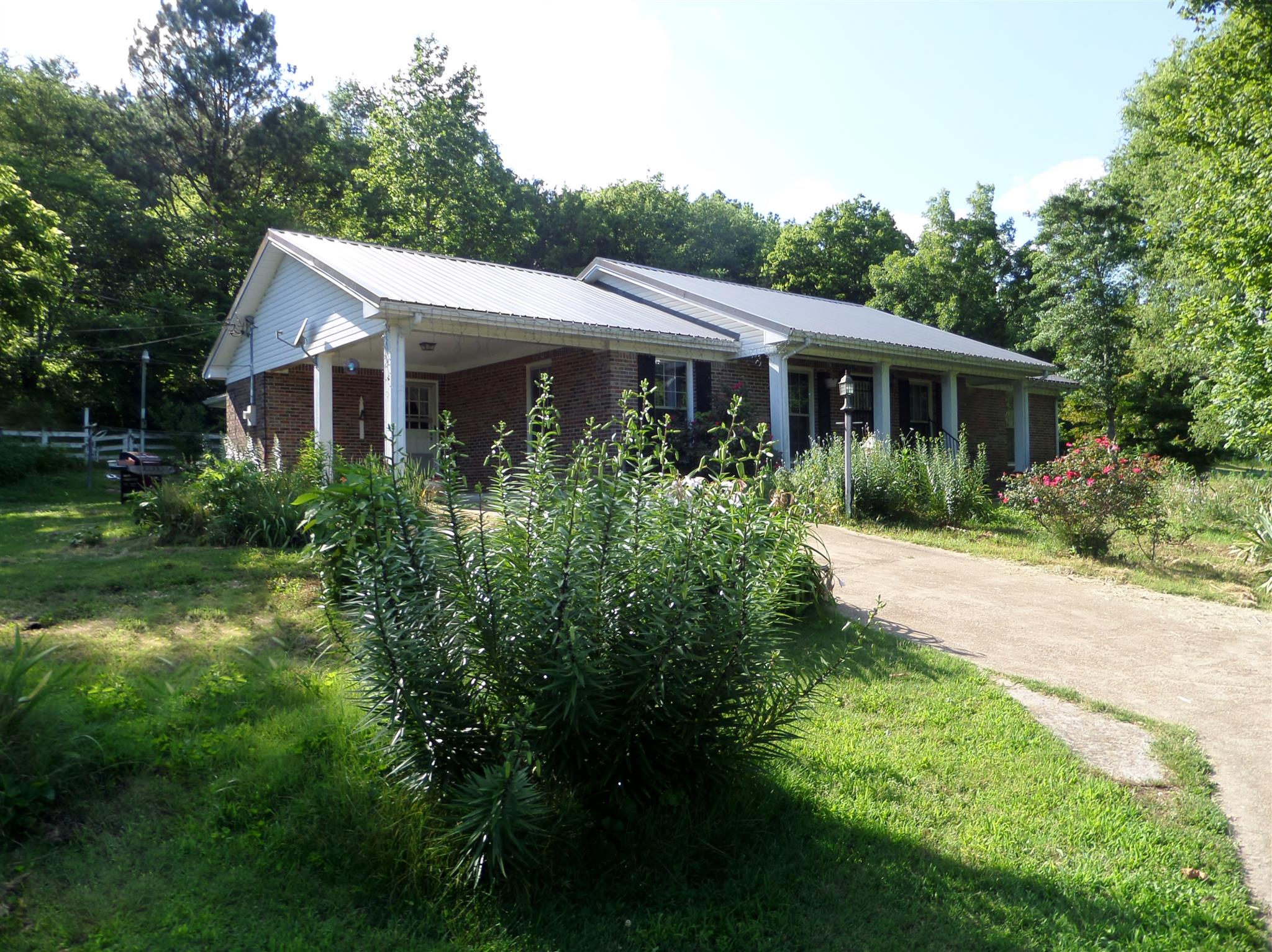 101 Hays Rd, Minor Hill, TN 38473